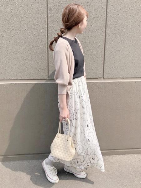 Bou Jeloudの≪2020SS先行予約≫【WEB限定】アートフラワーフレアスカートを使ったコーディネートを紹介します。|Rakuten Fashion(楽天ファッション/旧楽天ブランドアベニュー)1011620