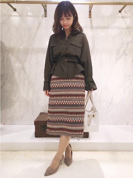 Noelaのアーティザナルスカートを使ったコーディネートを紹介します。|Rakuten Fashion(楽天ファッション/旧楽天ブランドアベニュー)1011872
