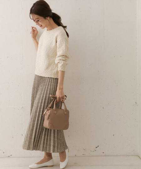 URBAN RESEARCH DOORSのチェックプリーツスカートを使ったコーディネートを紹介します。|Rakuten Fashion(楽天ファッション/旧楽天ブランドアベニュー)1012760