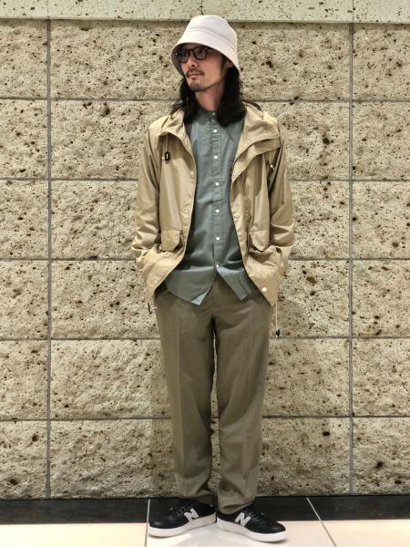 URBAN RESEARCH DOORSのTRABESTTrouserを使ったコーディネートを紹介します。|Rakuten Fashion(楽天ファッション/旧楽天ブランドアベニュー)1013342