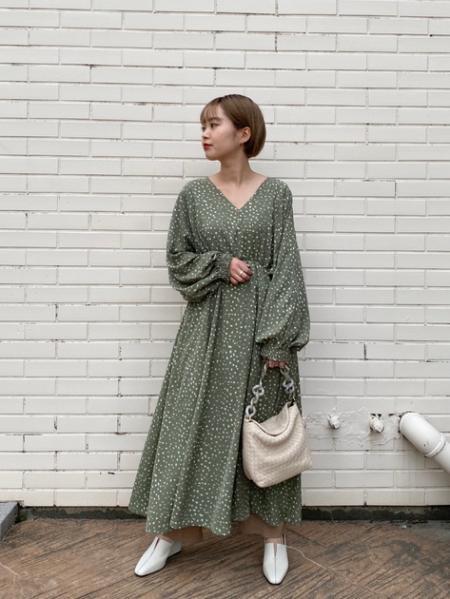 ROSE BUDのテーパードパンツを使ったコーディネートを紹介します。|Rakuten Fashion(楽天ファッション/旧楽天ブランドアベニュー)1013482