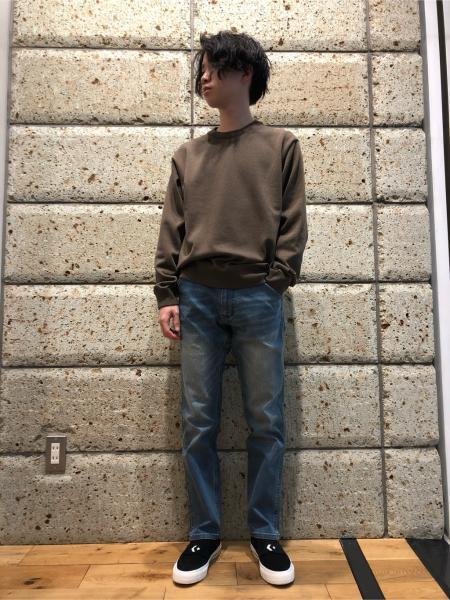 URBAN RESEARCH DOORSのFORK&SPOONリネン混クルーネックニットを使ったコーディネートを紹介します。|Rakuten Fashion(楽天ファッション/旧楽天ブランドアベニュー)1013509