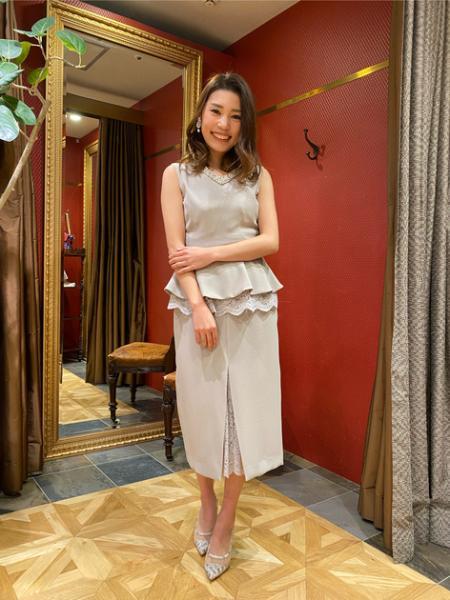 GRACE CONTINENTALのビジューペプラムノースリーブを使ったコーディネートを紹介します。|Rakuten Fashion(楽天ファッション/旧楽天ブランドアベニュー)1013944