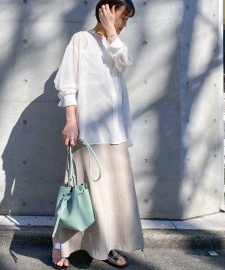 nano・universeのWEB限定/ラップ風マキシフレアスカートを使ったコーディネートを紹介します。 Rakuten Fashion(楽天ファッション/旧楽天ブランドアベニュー)1014789