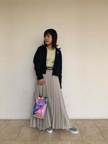 ROSE BUDのクリアショルダーバッグを使ったコーディネートを紹介します。|Rakuten Fashion(楽天ファッション/旧楽天ブランドアベニュー)1015040