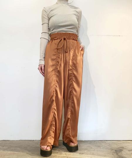 grapevine by k3のOPEN BACK HIGH NECK JERSEY TOPを使ったコーディネートを紹介します。|Rakuten Fashion(楽天ファッション/旧楽天ブランドアベニュー)1016280
