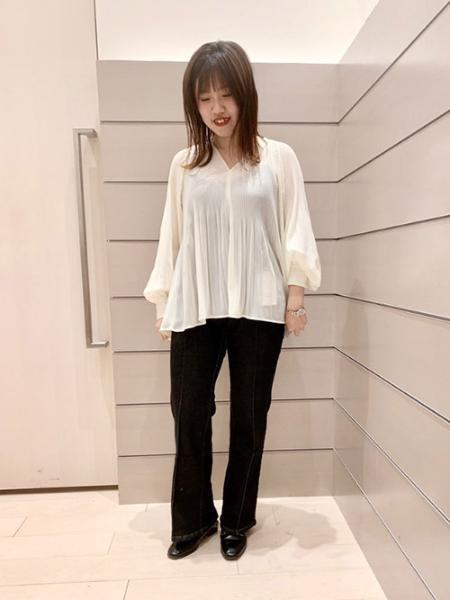 Ketty Cherieのデニムパンツを使ったコーディネートを紹介します。|Rakuten Fashion(楽天ファッション/旧楽天ブランドアベニュー)1016681