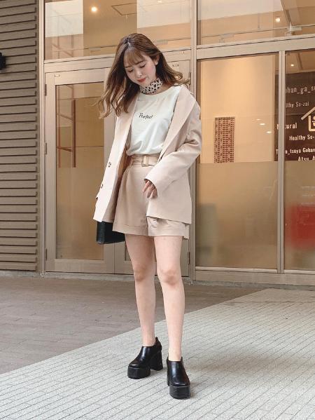 CECIL McBEEのダブル釦BIGテーラードミニボトムセットを使ったコーディネートを紹介します。 Rakuten Fashion(楽天ファッション/旧楽天ブランドアベニュー)1016973