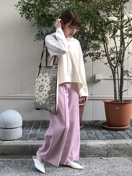 FROM FIRST MUSEEのセンタープレスパンツを使ったコーディネートを紹介します。|Rakuten Fashion(楽天ファッション/旧楽天ブランドアベニュー)1017129