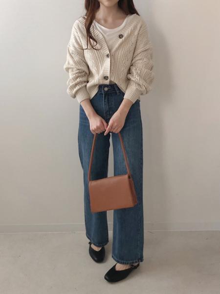 Bou Jeloudの【WEB限定】ベーシックカラーTシャツを使ったコーディネートを紹介します。 Rakuten Fashion(楽天ファッション/旧楽天ブランドアベニュー)1017314