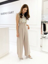 QUEENS COURTのコーディネート