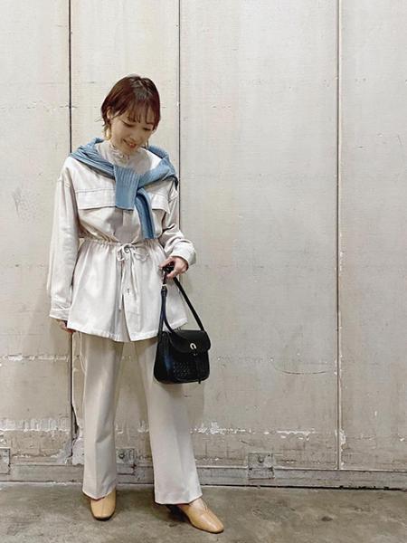 ROPE' PICNICのライトストレッチフレアパンツを使ったコーディネートを紹介します。 Rakuten Fashion(楽天ファッション/旧楽天ブランドアベニュー)1018206