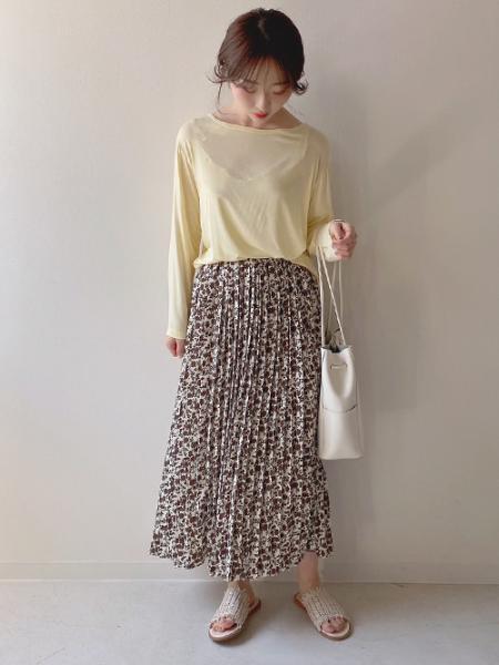Bou Jeloudの【WEB限定】ベーシックカラーTシャツを使ったコーディネートを紹介します。|Rakuten Fashion(楽天ファッション/旧楽天ブランドアベニュー)1018220