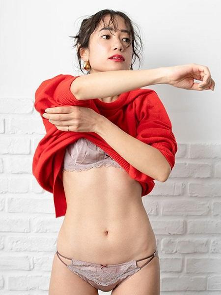 Chut! INTIMATESのビキニショーツ(ベイカー恵利沙コラボ)(C289)を使ったコーディネートを紹介します。 Rakuten Fashion(楽天ファッション/旧楽天ブランドアベニュー)1020500