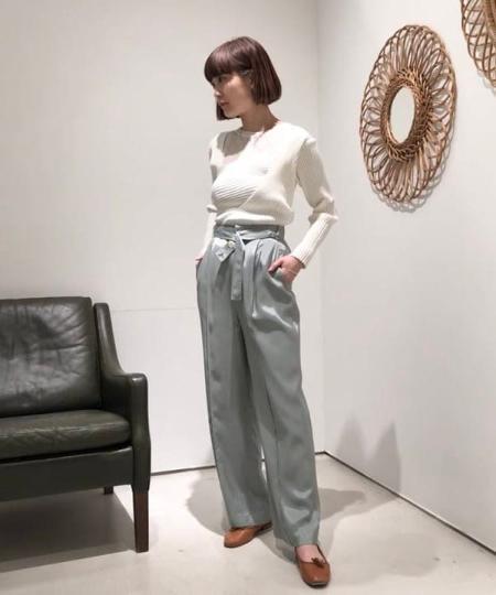 BEAMS WOMENのRay BEAMS / ボタンベルト ワイドパンツを使ったコーディネートを紹介します。 Rakuten Fashion(楽天ファッション/旧楽天ブランドアベニュー)1020823