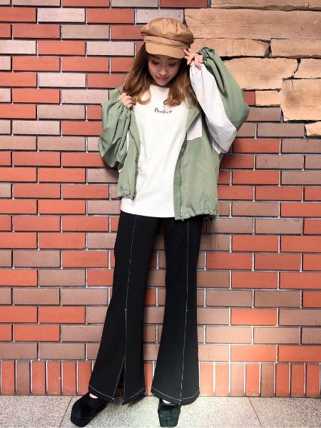 CECIL McBEEの配色マウンテンパーカーを使ったコーディネートを紹介します。|Rakuten Fashion(楽天ファッション/旧楽天ブランドアベニュー)1021847