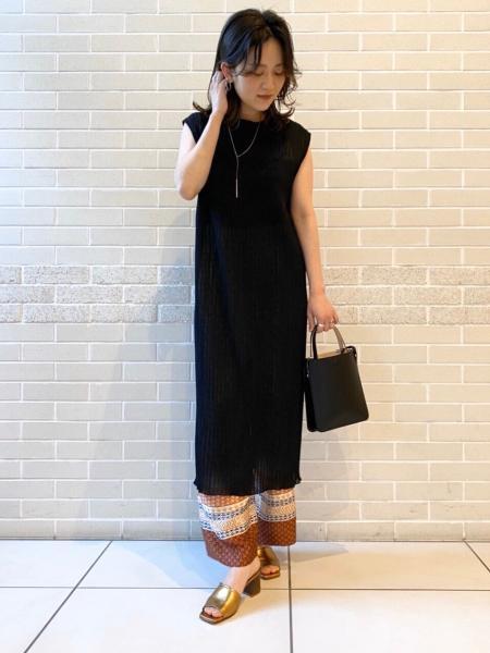 SALON adam et rope'のコーディネートを紹介します。 Rakuten Fashion(楽天ファッション/旧楽天ブランドアベニュー)1022003