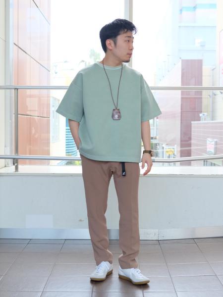 417 EDIFICEのピグメント ダンボールニットTeeを使ったコーディネートを紹介します。|Rakuten Fashion(楽天ファッション/旧楽天ブランドアベニュー)1022924