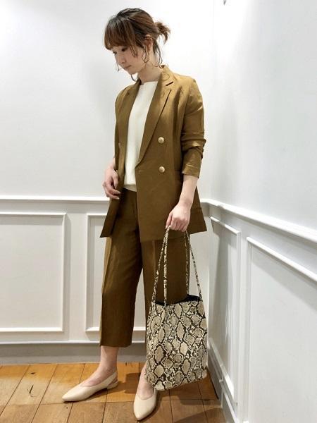 CLEAR IMPRESSIONのフェイクレザートートバッグを使ったコーディネートを紹介します。|Rakuten Fashion(楽天ファッション/旧楽天ブランドアベニュー)1023360