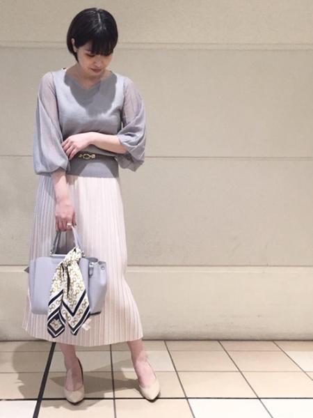 ROPE' PICNICのビットプリントツイルスカーフを使ったコーディネートを紹介します。|Rakuten Fashion(楽天ファッション/旧楽天ブランドアベニュー)1023630