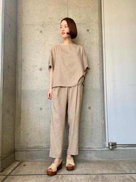 URBAN RESEARCHのリネンライクタックテーパードパンツを使ったコーディネートを紹介します。|Rakuten Fashion(楽天ファッション/旧楽天ブランドアベニュー)1024243