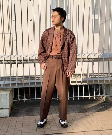 BEAMS MENのBEAMS / アクション スラックスを使ったコーディネートを紹介します。|Rakuten Fashion(楽天ファッション/旧楽天ブランドアベニュー)1025142