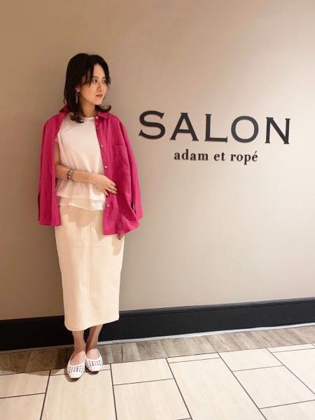 SALON adam et rope'の[バックシャン] レイヤード バイカラープルオーバー【店舗限定】を使ったコーディネートを紹介します。 Rakuten Fashion(楽天ファッション/旧楽天ブランドアベニュー)1025383