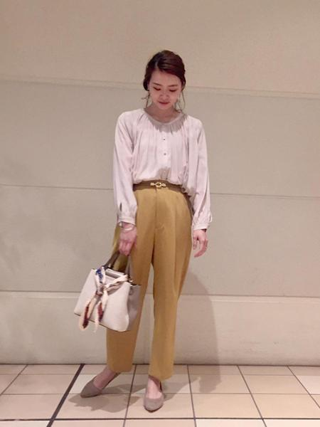 ROPE' PICNICの【2WAY】サテンギャザーブラウスを使ったコーディネートを紹介します。 Rakuten Fashion(楽天ファッション/旧楽天ブランドアベニュー)1026121