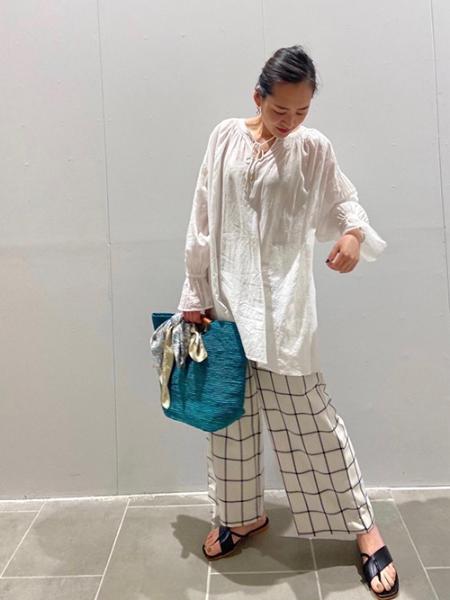 ROPE' PICNICのラフィアくり手トート&クラッチバッグを使ったコーディネートを紹介します。|Rakuten Fashion(楽天ファッション/旧楽天ブランドアベニュー)1026424