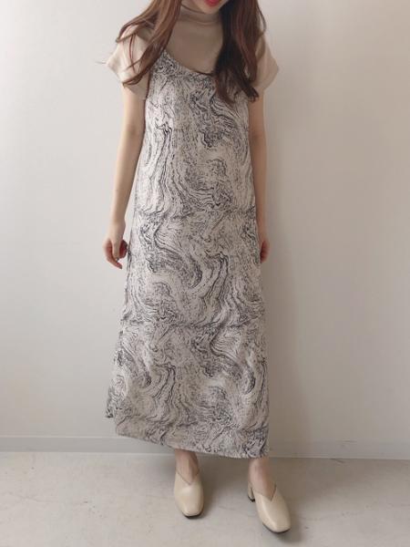 Bou Jeloudの【EC】ハイネックBIGTシャツを使ったコーディネートを紹介します。 Rakuten Fashion(楽天ファッション/旧楽天ブランドアベニュー)1026683