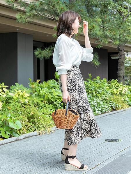 La Totaliteのコーディネートを紹介します。|Rakuten Fashion(楽天ファッション/旧楽天ブランドアベニュー)1027322