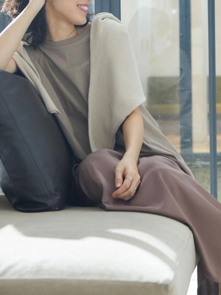 ANTIQULOTHESの(W)サテンシック フレアスカートを使ったコーディネートを紹介します。|Rakuten Fashion(楽天ファッション/旧楽天ブランドアベニュー)1027647