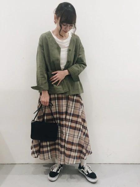 LAKOLEの(W)マドラスチェックフレアSKを使ったコーディネートを紹介します。|Rakuten Fashion(楽天ファッション/旧楽天ブランドアベニュー)1027715