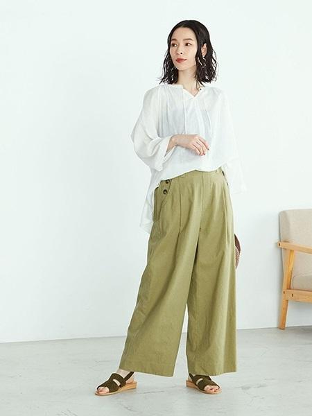 COMME CA ISMの《リネン》セミワイドパンツを使ったコーディネートを紹介します。 Rakuten Fashion(楽天ファッション/旧楽天ブランドアベニュー)1028012