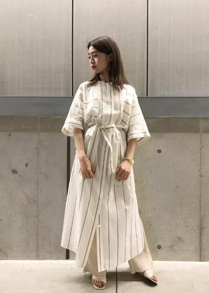 ROPE'のサテン楊柳イージーパンツを使ったコーディネートを紹介します。 Rakuten Fashion(楽天ファッション/旧楽天ブランドアベニュー)1028568
