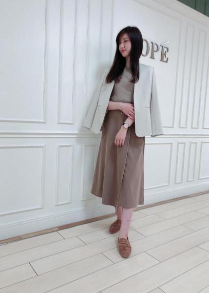 ROPE'の【Marisol*ROPE'】【セットアップ対応】レーヨンフィブリルマーメイドスカートを使ったコーディネートを紹介します。|Rakuten Fashion(楽天ファッション/旧楽天ブランドアベニュー)1028533