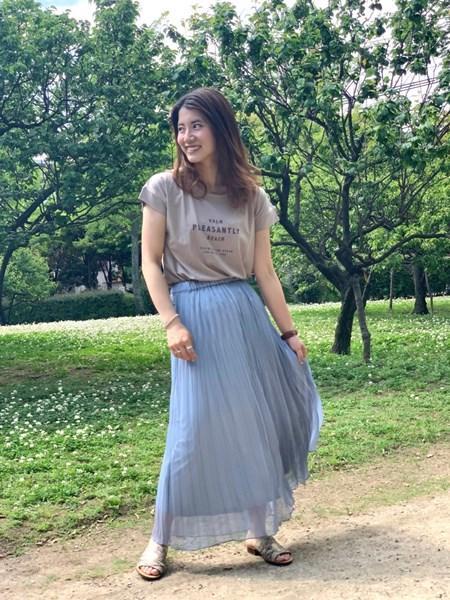 BAYFLOWの(W)シアープリーツSKを使ったコーディネートを紹介します。|Rakuten Fashion(楽天ファッション/旧楽天ブランドアベニュー)1028750