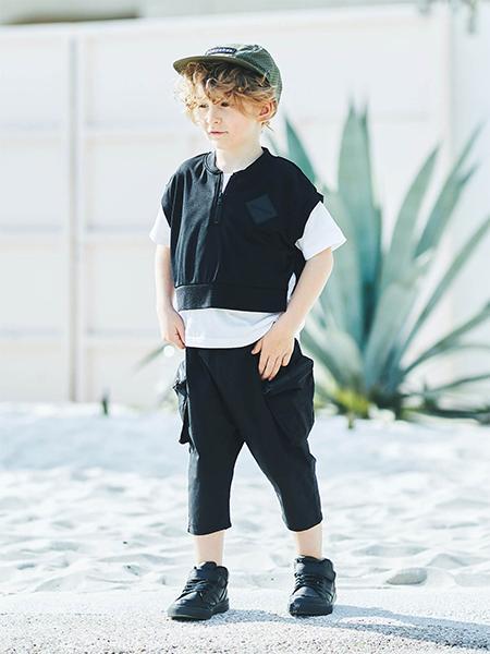 BRANSHESのベスト重ね着風半袖Tシャツを使ったコーディネートを紹介します。|Rakuten Fashion(楽天ファッション/旧楽天ブランドアベニュー)1029819