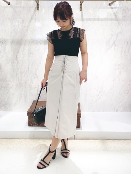 Noelaのレースフリルカットソーを使ったコーディネートを紹介します。 Rakuten Fashion(楽天ファッション/旧楽天ブランドアベニュー)1031465