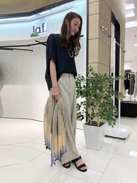 Laf…の《2WAY》ナチュラルシースルードライゆったりブラウスを使ったコーディネートを紹介します。|Rakuten Fashion(楽天ファッション/旧楽天ブランドアベニュー)1032653