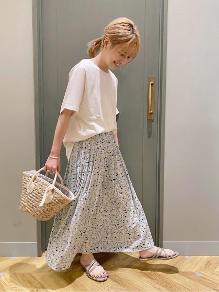 studio CLIPのPTビンテージサテンSKを使ったコーディネートを紹介します。 Rakuten Fashion(楽天ファッション/旧楽天ブランドアベニュー)1032924
