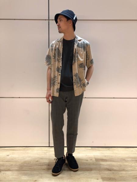 417 EDIFICEのコーディネートを紹介します。|Rakuten Fashion(楽天ファッション/旧楽天ブランドアベニュー)1033322