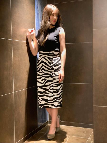 PINKY&DIANNEの◆ゼブラプリントミモレ丈スカートを使ったコーディネートを紹介します。|Rakuten Fashion(楽天ファッション/旧楽天ブランドアベニュー)1033538