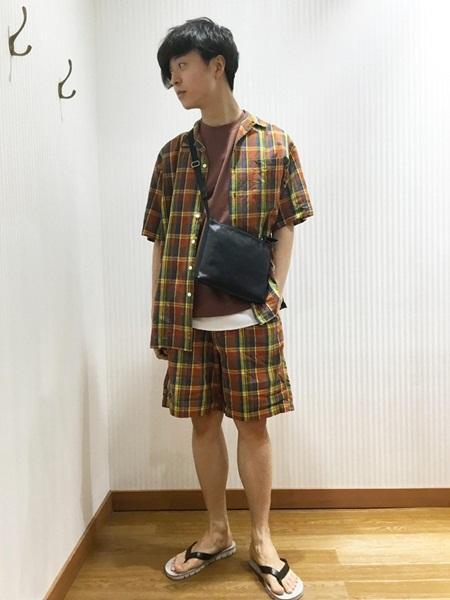 SHIPSのSHIPS any×CLEVE: 別注 チェック オープンカラー 半袖シャツを使ったコーディネートを紹介します。|Rakuten Fashion(楽天ファッション/旧楽天ブランドアベニュー)1033589