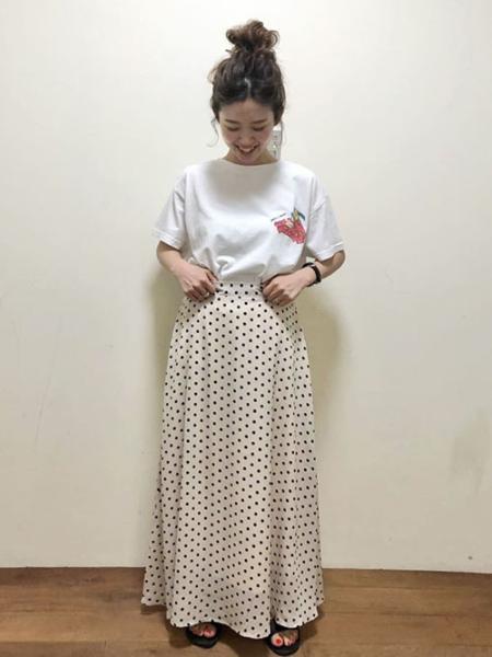 LIPSTARの【ARISASUTOコラボ】イラストTシャツを使ったコーディネートを紹介します。 Rakuten Fashion(楽天ファッション/旧楽天ブランドアベニュー)1034790
