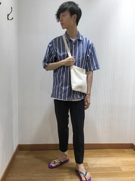 SHIPSのPOSTERLIST:プリントTシャツ20SSを使ったコーディネートを紹介します。 Rakuten Fashion(楽天ファッション/旧楽天ブランドアベニュー)1036486