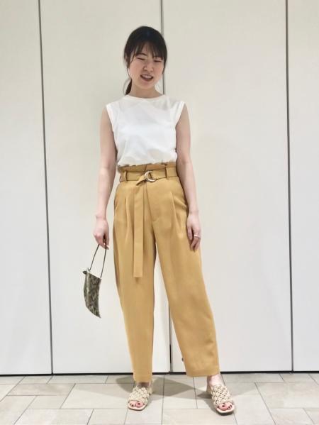 JOURNAL STANDARDのプレミアムコットン ラウンドヘムN/S Teeを使ったコーディネートを紹介します。 Rakuten Fashion(楽天ファッション/旧楽天ブランドアベニュー)1037320