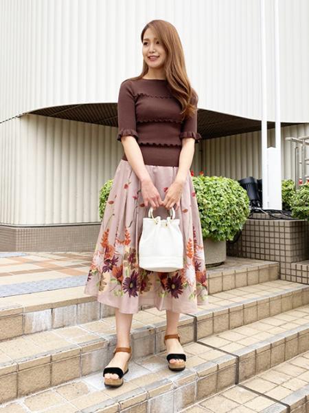 QUEENS COURTのコーディネートを紹介します。|Rakuten Fashion(楽天ファッション/旧楽天ブランドアベニュー)1037483