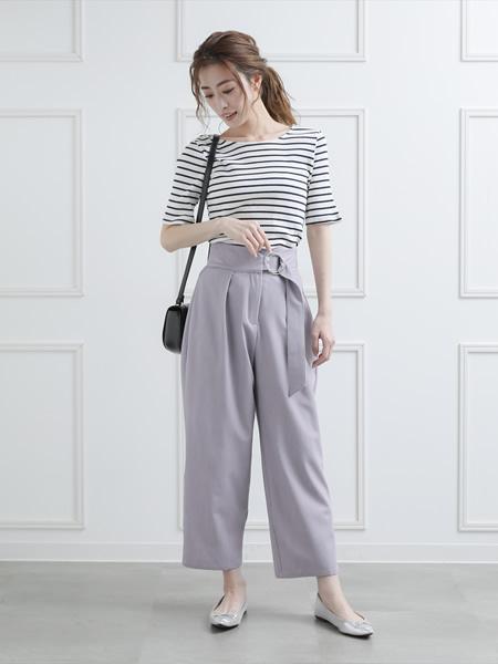 clearのサークルバックルタックパンツを使ったコーディネートを紹介します。|Rakuten Fashion(楽天ファッション/旧楽天ブランドアベニュー)1037894