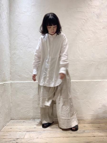 RNA-Nのリネンレイヤードワイドパンツを使ったコーディネートを紹介します。|Rakuten Fashion(楽天ファッション/旧楽天ブランドアベニュー)1038157